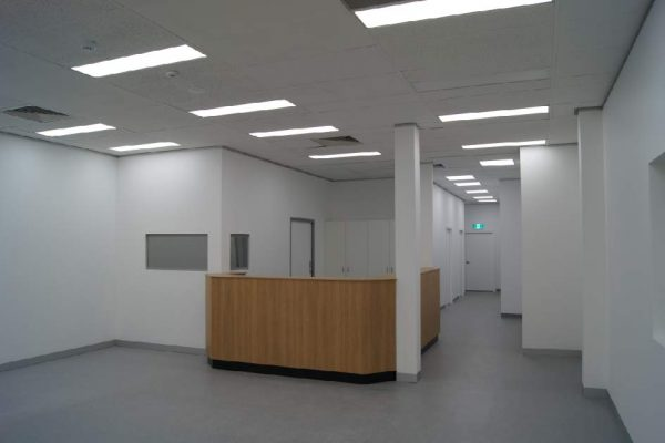 Goulburn-Blooms-The-Chemist-Fit-Out-Impeccabuild-Pharmacy-medical-centre-reception-desk-WebOpt
